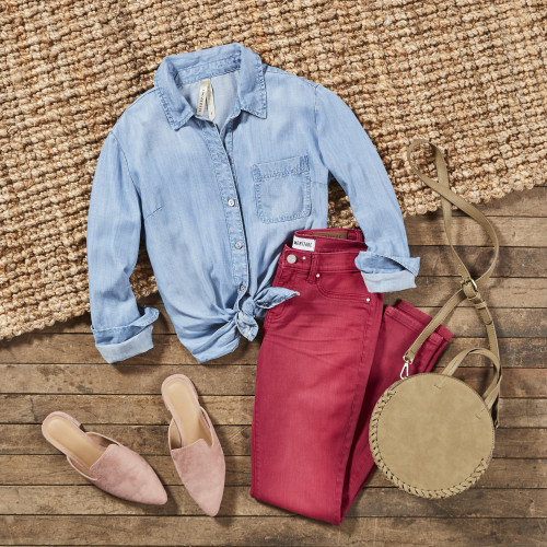 Dressy Casual Dress Code: Chambray Shirt + Colored Denim