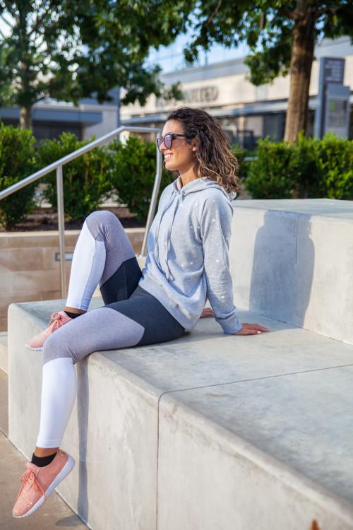 athleisure outfit ideas: star sweatshirt