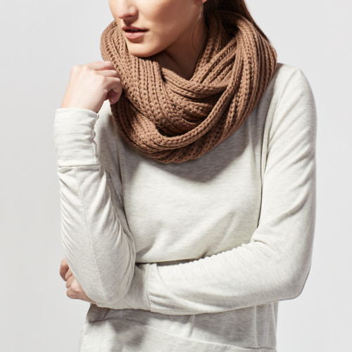 fall and winter essentials: chunky knit scarf