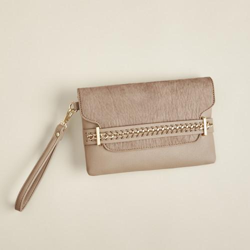 winter accessories: clutch